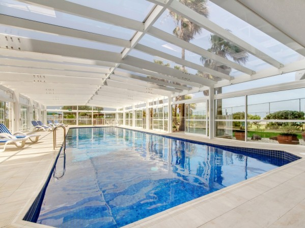 19th Avenue on the Beach Apartments 22m Heated Pool