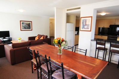 Charming ... Paramount Serviced Apartments Melbourne_36 ...